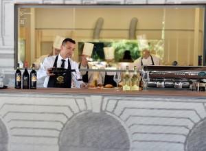 NUOVA APERTURA PER LA CAFFETERIA, PASTICCERIA COVA DI VIA MONTENAPOLEONE ALLA TRIENNALE DI MILANO