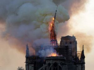 Notre Dame in fiamme 15 aprile 2019AFP_1FO257