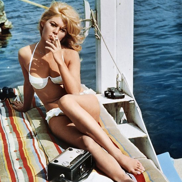brigitte-bardo-beach-girls